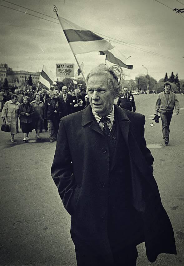 Василь Быков. Долгая дорога домой