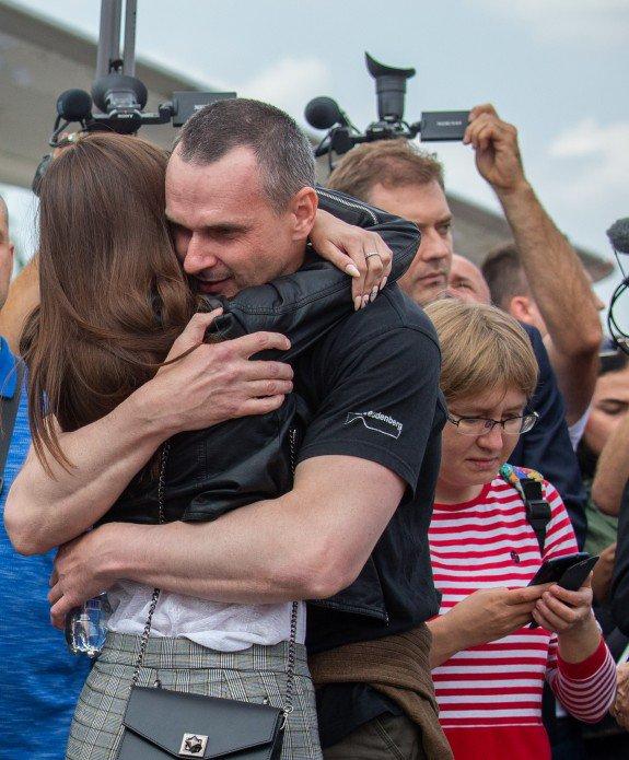 Олег Сенцов и украинские моряки на свободе