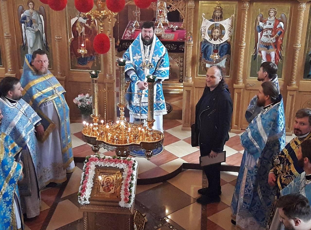 Епископ Серафим наградил Архиерейской грамотой Валерия Алексеева